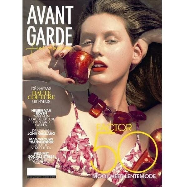 Изображение 4. Обложки: Elle, Harper's Bazaar и другие.. Изображение № 2.