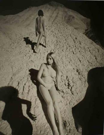 Части тела: Обнаженные женщины на фотографиях 70х-80х годов. Изображение № 63.