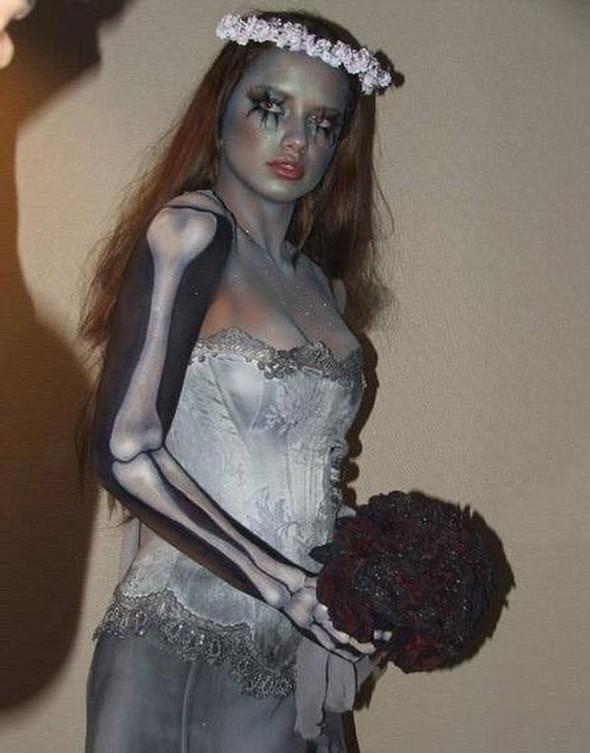 Ghoulish glamour. Изображение № 26.