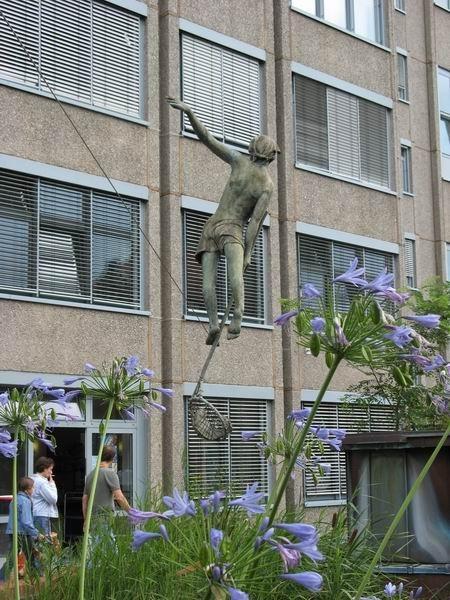 Скульптуры Джерзи Кедзиоры, парящие в воздухе. Изображение № 45.