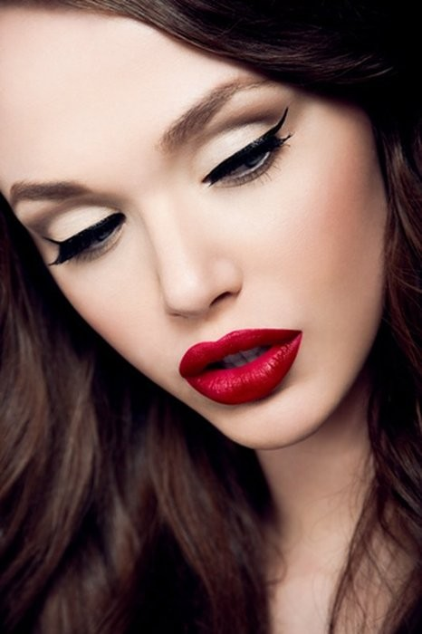 Red lipstick. Изображение № 26.