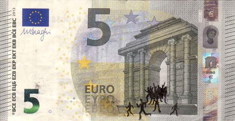 Художник в знак протеста изрисовал банкноты на 3555 евро. Изображение № 27.