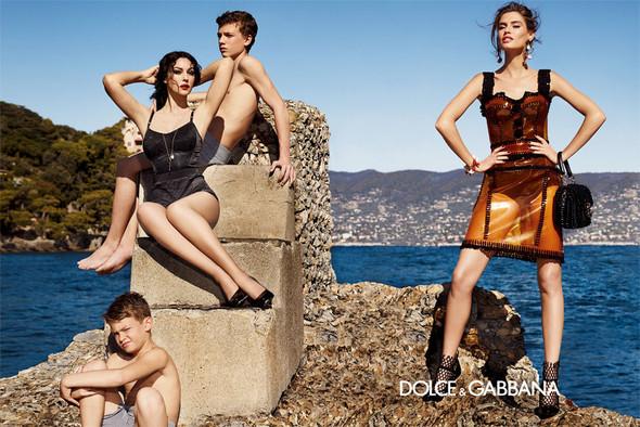 Кампания: Dolce & Gabbana SS 2012. Изображение № 9.