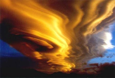 Лентикулярные облака. Изображение № 5.
