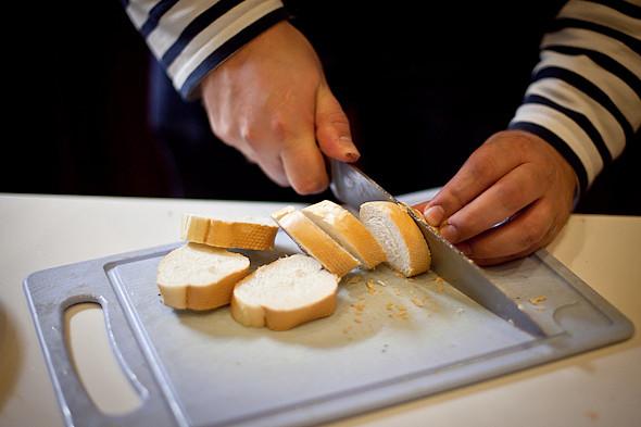 Быстро и вкусно: Сандвичи, хот-дог и три брускетты. Изображение № 46.