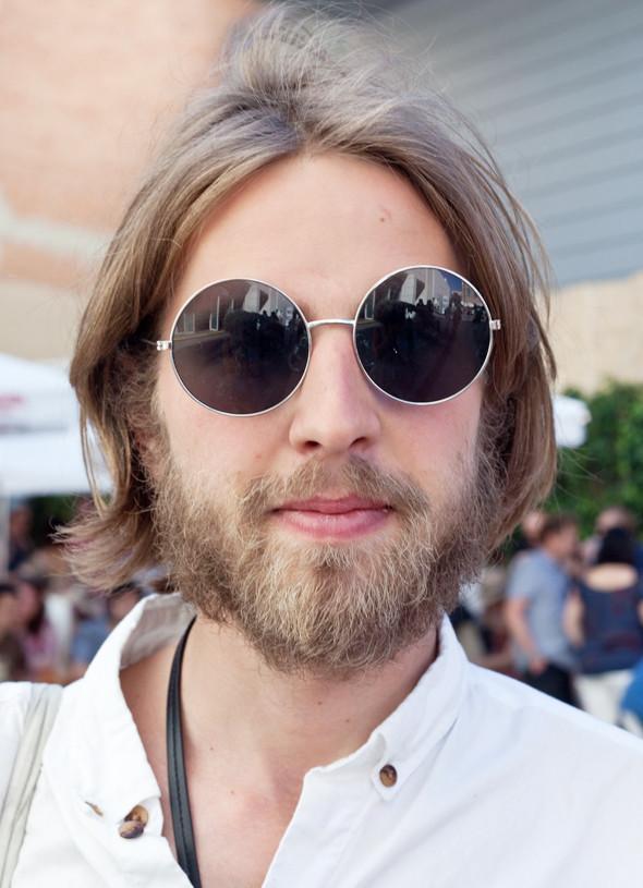 Пестрые рубашки и темные очки: Посетители фестиваля Sonar 2012. Изображение № 18.