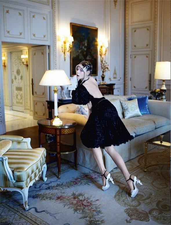 Kinga Rajzak by John-Paul Pietrus in Chanel for Harpers Bazaar. Изображение № 8.