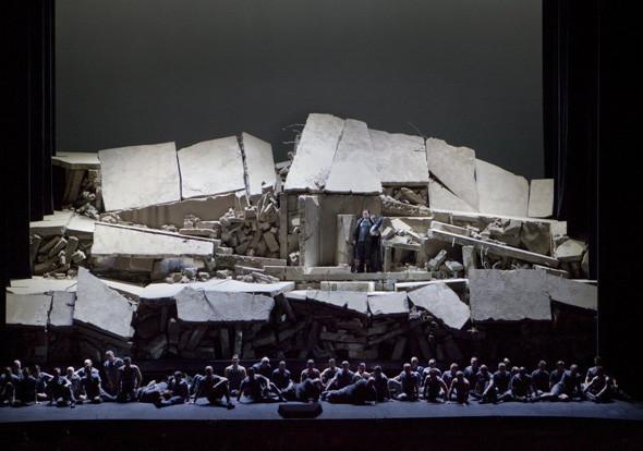 Prada создали костюмы для оперы. Изображение № 6.