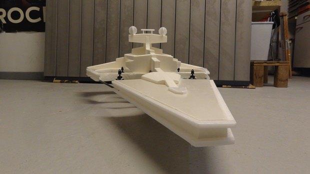 Энтузиаст собрал дрон в виде имперского крейсера. Изображение № 34.