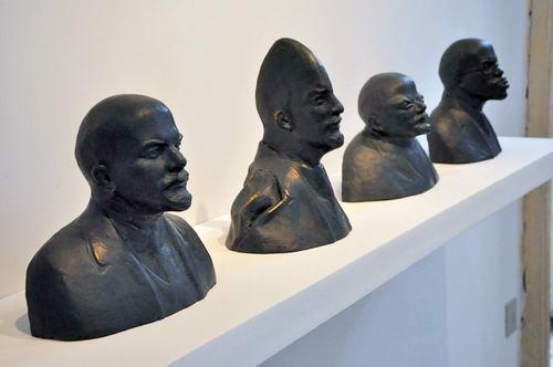 Памятник поверженный: что делают с памятниками современные художники. Изображение № 7.