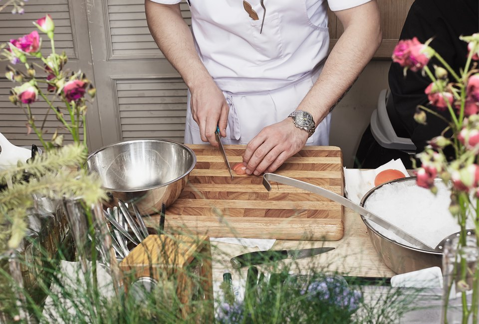 Шеф-повар готовит  по рецепту искусственного интеллекта . Изображение № 4.
