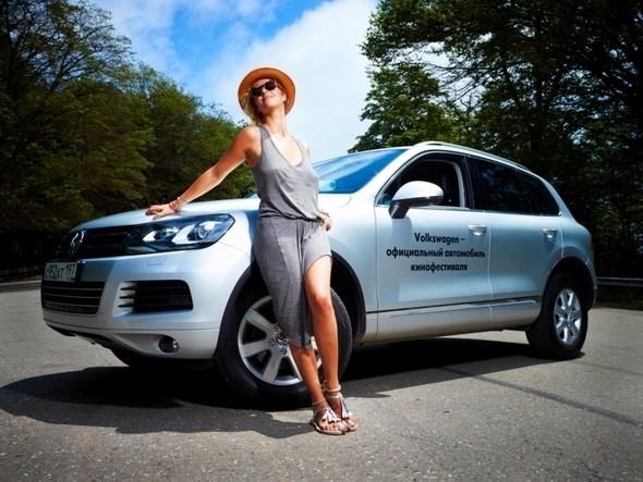 Изображение 6. Марка Volkswagen стала официальным автомобильным спонсором XXII-го Открытого кинофестиваля Кинотавр.. Изображение № 6.