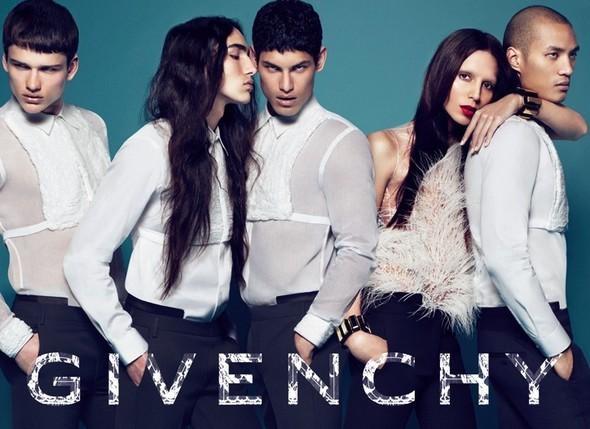 Кампания Givenchy FW 2010. Изображение № 2.