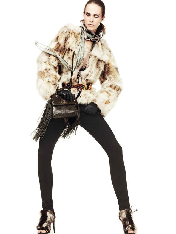 Лукбук: Эмелин Валад и Ольга Шерер для Roberto Cavalli FW 2011. Изображение № 2.
