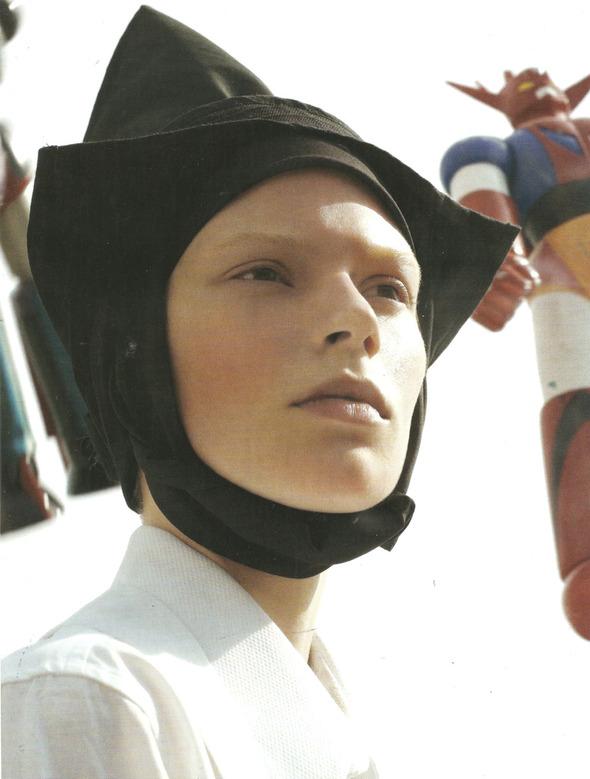 Архивная съёмка: Монахини и роботы в объективе Стивена Мейзела, 2006. Изображение № 7.