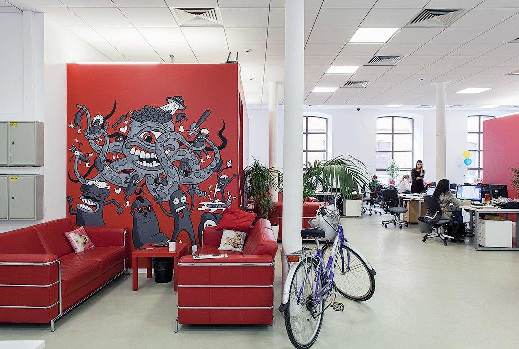 Лестница в никуда и хаски в московском офисе BBDO. Изображение № 28.
