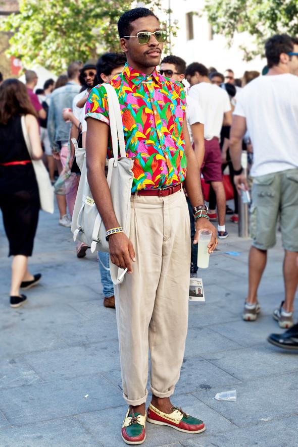 Пестрые рубашки и темные очки: Посетители фестиваля Sonar 2012. Изображение № 26.