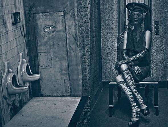 Съёмка: Кейт Мосс в объективе Стивена Кляйна. Изображение № 1.
