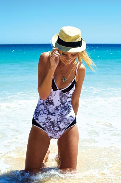 Пляжный сезон: 10 марок купальников. Изображение № 4.