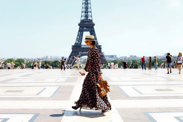 Уличный стиль на Неделе высокой моды в Париже. Изображение № 19.