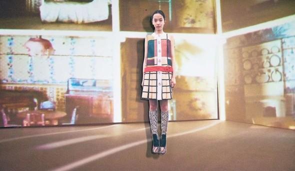 Лукбук: Prada Fantasy FW 2011. Изображение № 22.