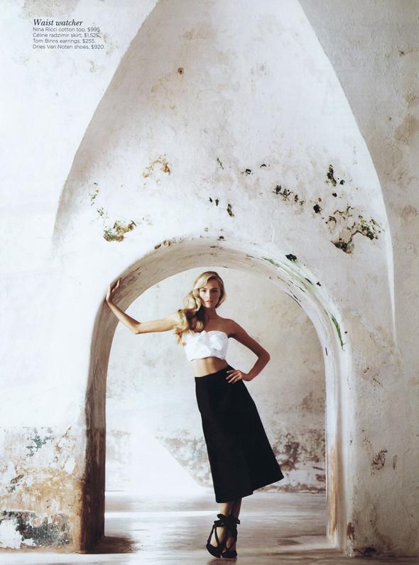 Съёмка: Валентина Зеляева для Vogue. Изображение № 9.