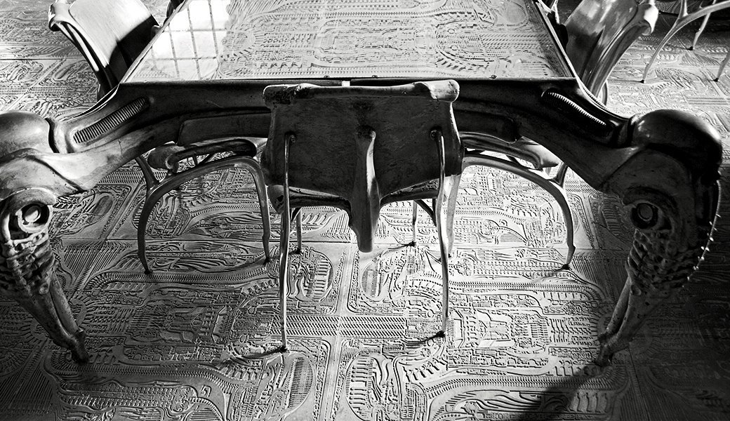 Как выглядит бар монстров Ганса Руди Гигера. Изображение № 9.