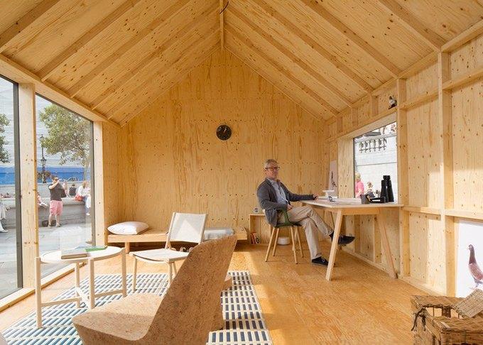 Дизайнеры создали инсталляцию для Airbnb на Трафальгарской площади. Изображение № 18.