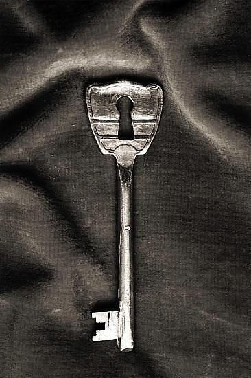 Черно-белые сюрреалистические фотографии Chema Madoz. Изображение № 6.
