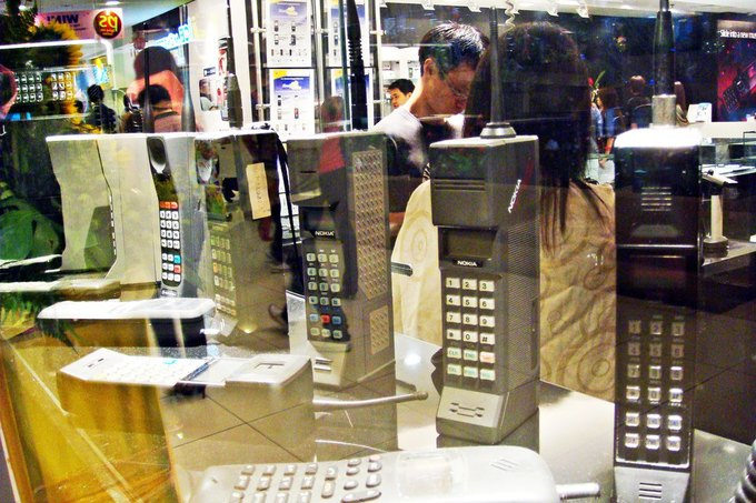 Подсчитана стоимость iPhone 5s для 1991 года . Изображение № 1.