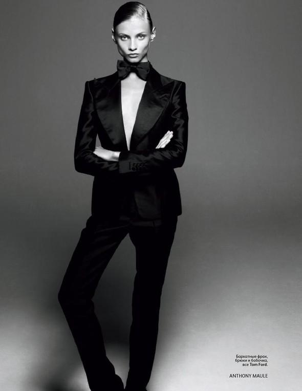 Съёмка: Анна Селезнева для российского Vogue. Изображение № 9.