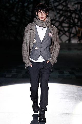 Что носить осенью: мужские показы в Милане. Изображение № 230.