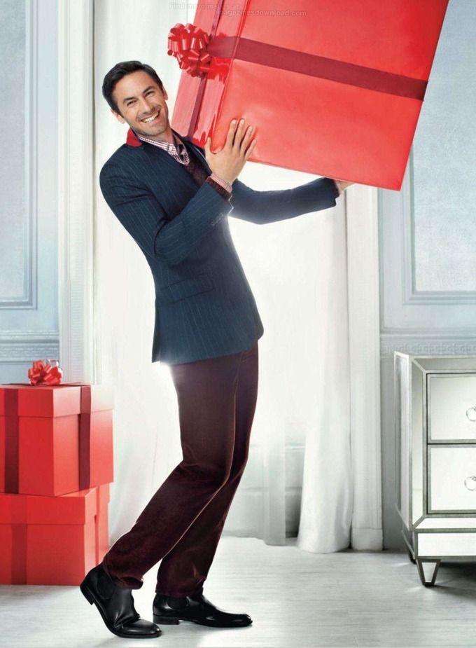 Вышли праздничные кампании Asos, H&M, Kira Plastinina и других марок. Изображение № 19.