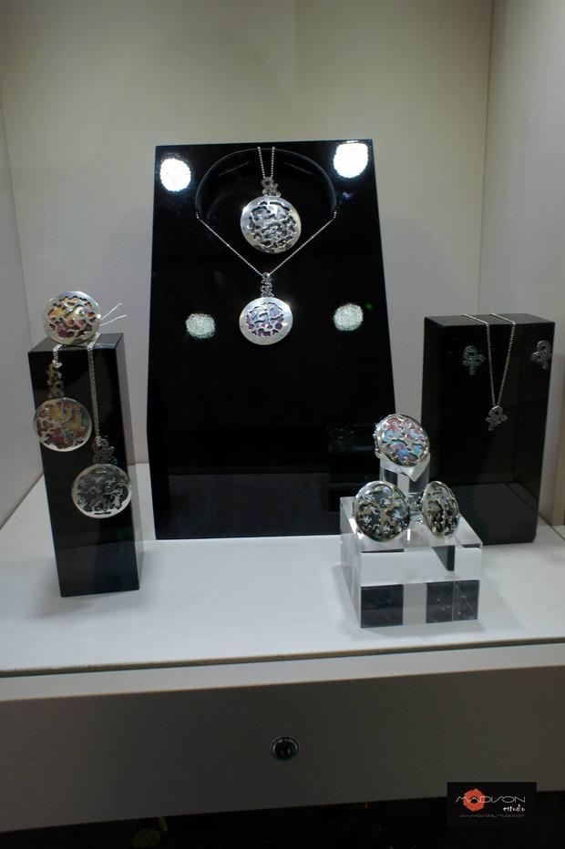 открытие корнера Amova Jewelry в бутике Gomez y Molina в Марбелье, Исп. Изображение № 3.