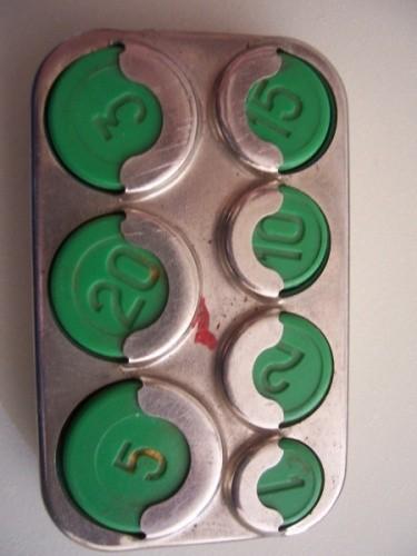 IPhone-держатель для монет. Изображение № 1.