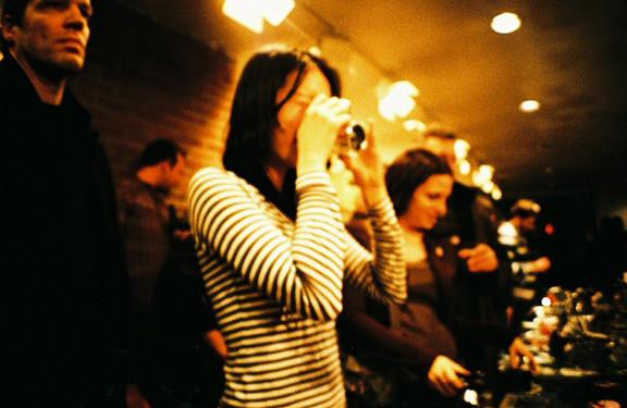 Галерея-магазин Ломографии вНью-Йорке. Изображение № 48.