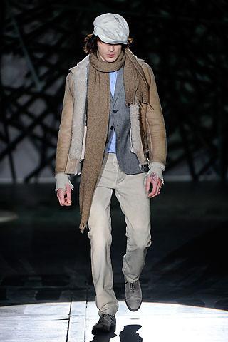 Что носить осенью: мужские показы в Милане. Изображение № 231.