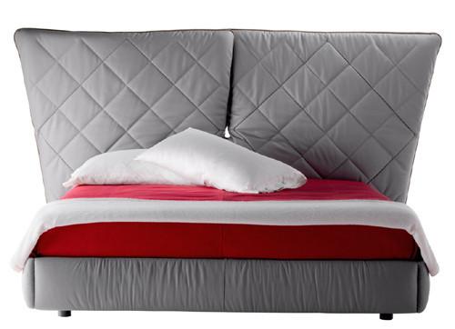 Кровать с мягким изголовьем Lelit от Poltrona Frau. Изображение № 1.
