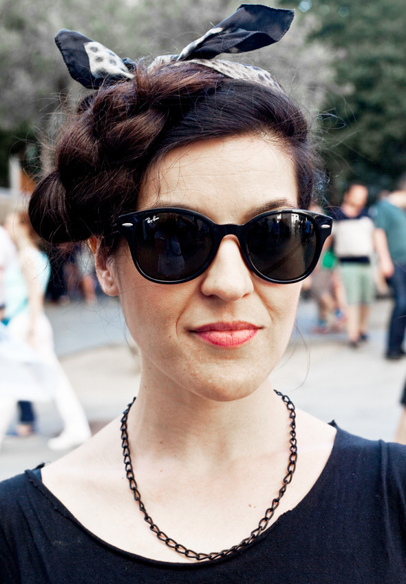 Пестрые рубашки и темные очки: Посетители фестиваля Sonar 2012. Изображение № 10.