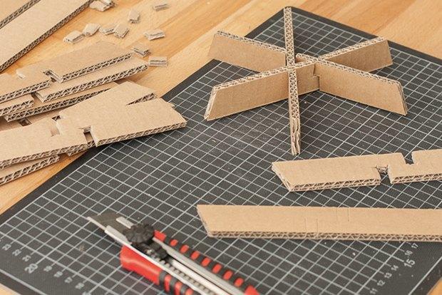 Как сделать из толстого картона абажур для лампы . Изображение № 24.