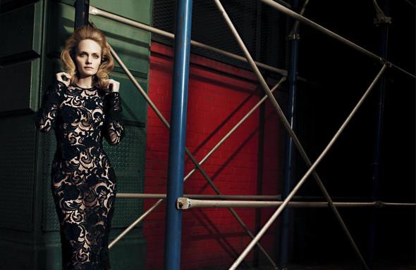 Съёмка: Карен, Наташа, Эмбер и другие модели в Prada для Love. Изображение № 3.