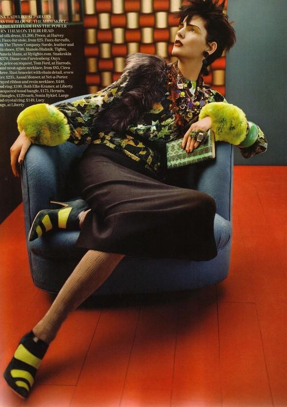 Съёмка: Стелла Теннант для британского Vogue. Изображение № 4.