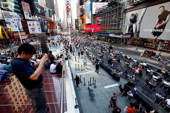 Площадь Таймс-сквер стала пешеходной. Изображение № 11.