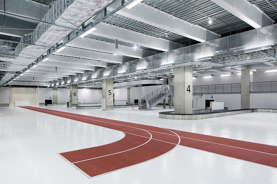 Фото: безупречный минимализм аэропорта вТокио. Изображение № 17.