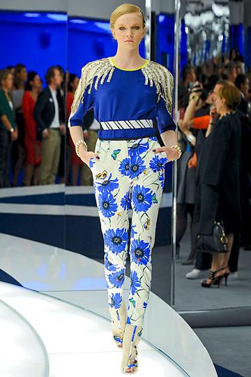 Модный дайджест: Джеймс Франко для Gucci, сари Hermes, сингл Burberry. Изображение № 3.
