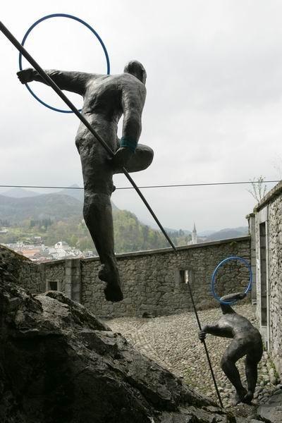Скульптуры Джерзи Кедзиоры, парящие в воздухе. Изображение № 29.
