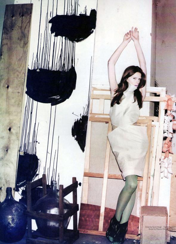 Съёмки: Interview, Harper's Bazaar, V и другие. Изображение № 4.