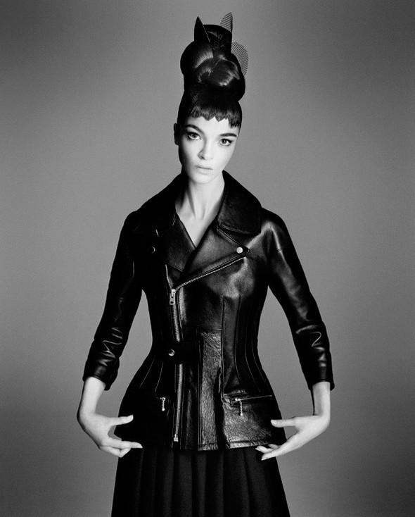 Съёмка: Мариакарла Босконо для Bergdorf Goodman. Изображение № 10.