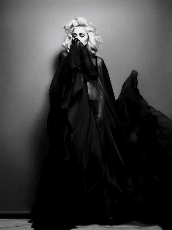 Мадонна в фото Мерта Аласа и Маркуса Пигготта для журнала Interview. Изображение № 8.