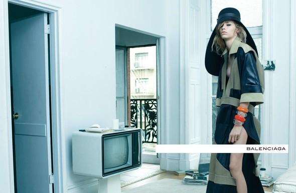 Кампания: Стивен Майзел для Balenciaga SS 2012. Изображение № 4.